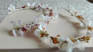 corona tul flores secas y arpillera
