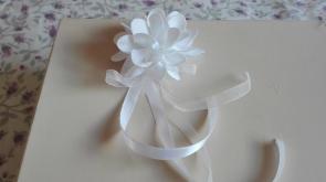 pasador flor pique blanco comunión