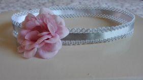 trencilla raso y flor